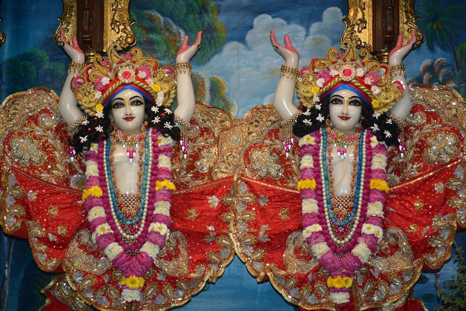 ISKCON Ujjain Deity Darshan 04 April 2016  (15)