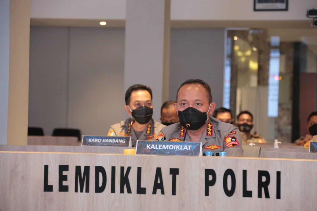 Kalemdiklat Polri Memberikan Pembekalan Kepada Calan Perwira Sekolah Inspektur Polisi Angkatan 49 Tahun 2020