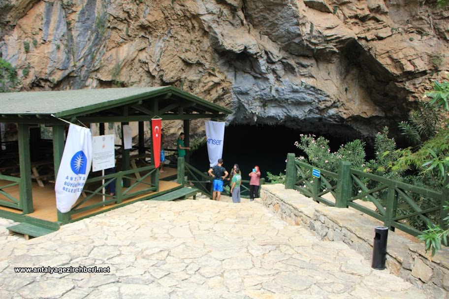 altınbeşik mağarası