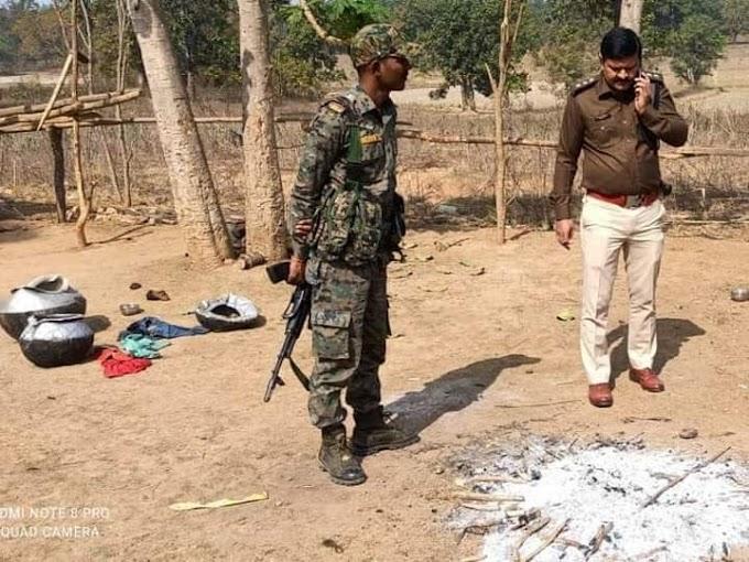 Jharkhand: बेटे ने पहले की मां की हत्या, फिर घर के आंगन में जला उसी चिता पर पकाया मुर्गा