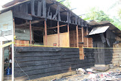 Bupati Tapanuli Tengah Bangun Kembali Dua Rumah Warga yang Terbakar di Kecamatan Manduamas