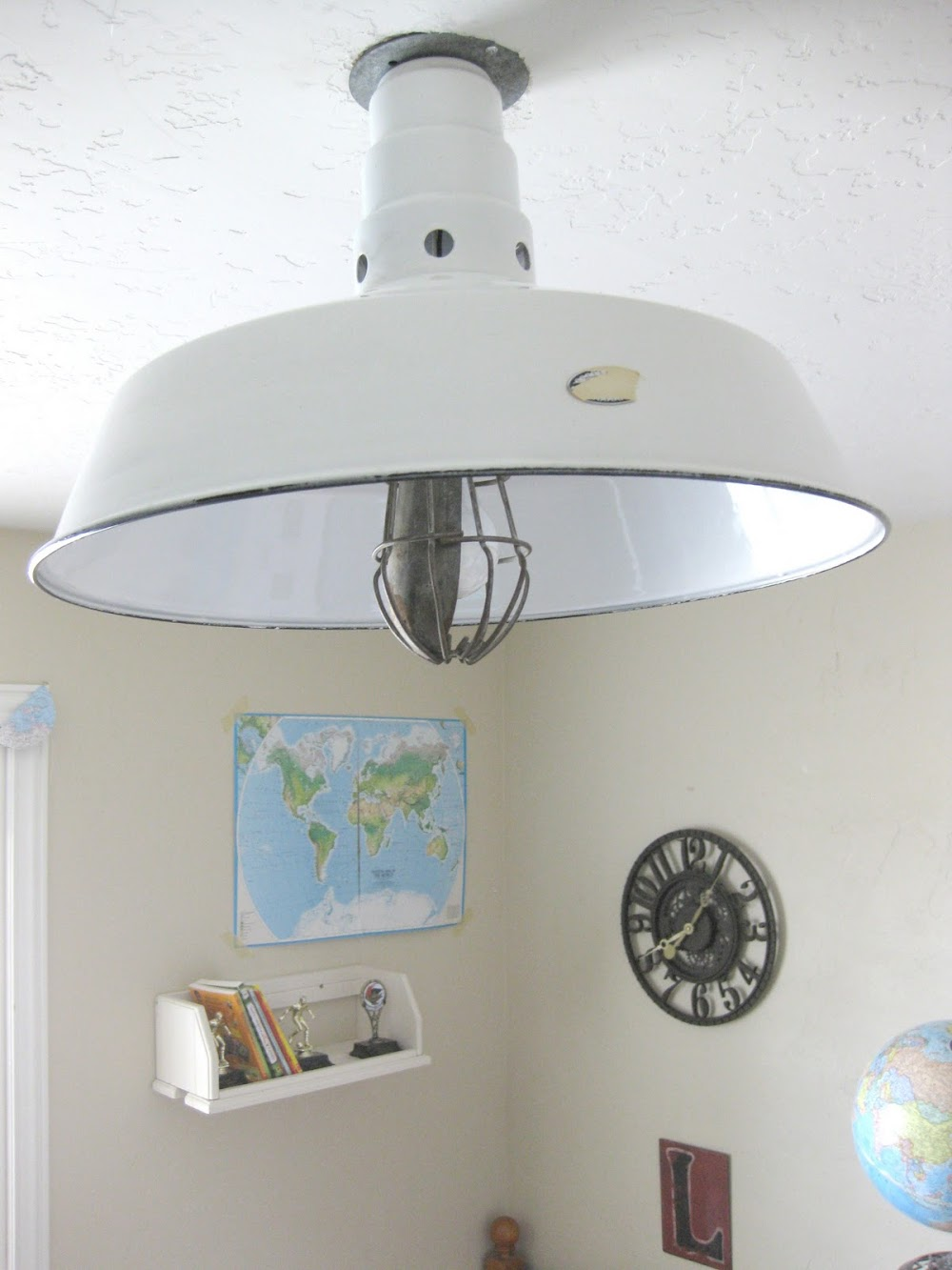 $6 industrial barn light {a great find} and a chance to win one similar