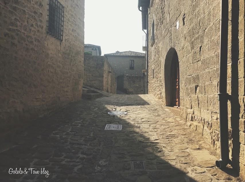 Pueblo medieval en España