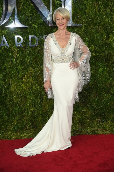 Helen Mirren attends the 2015 Tony Awards