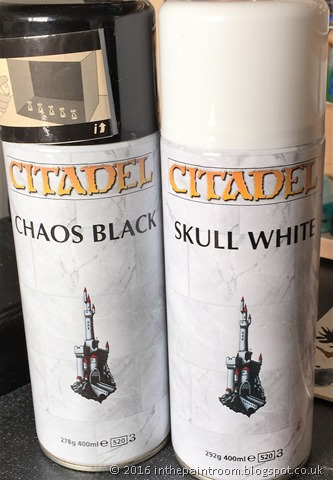 Chaos black and skull white 400ml spray