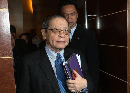 Dewan Rakyat: Kit Siang digantung 6 bulan