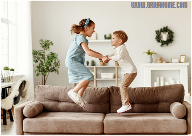 Tips Membersihkan Sofa Rumah Anda