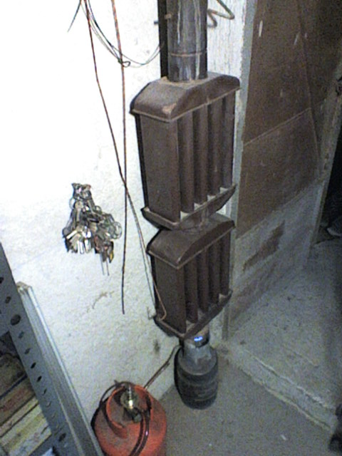 Radiatore per tubi cucina economica fai da te offgrid for Piani casa economica da costruire