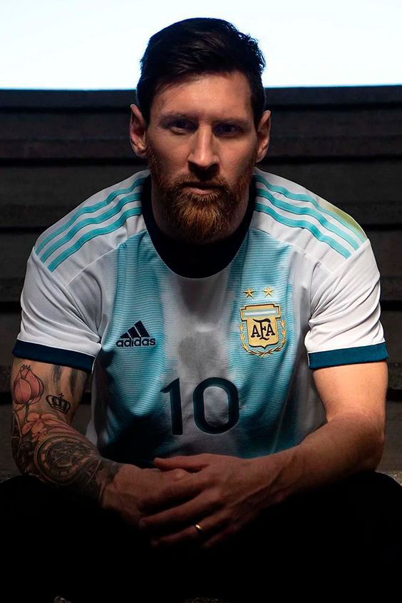 2). Lionel Messi — Football ⚽