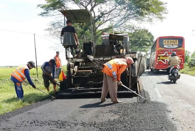 Perbaikan Jalur Ngawi-Solo Dikebut