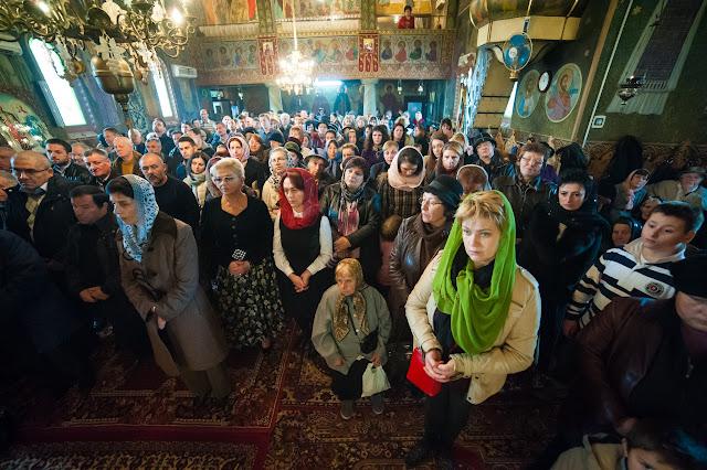 """8 Noiembrie - Hramul Bisericii """"Sfinții Voievozi"""""""