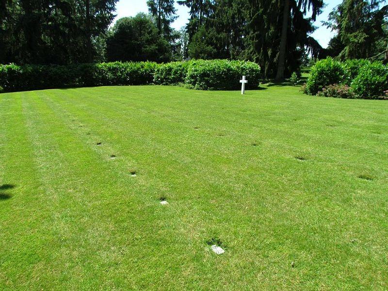 plot-e-oise-aisne-american-cemetery-2