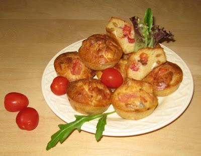 Muffins au fromage de chèvre et à la tomate