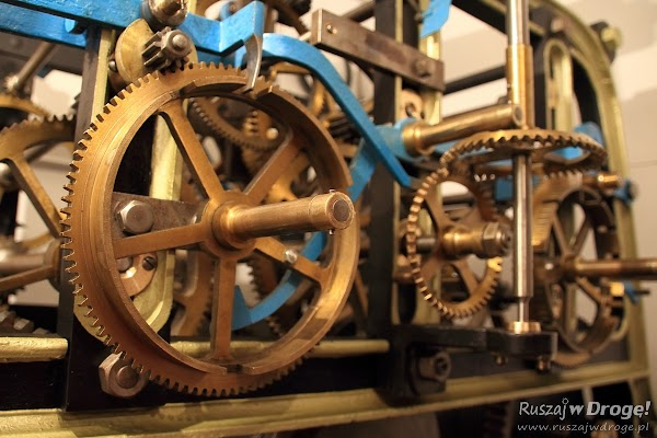 Mechanizm zegara: Poddasze Fary pw. Św. Mateusza w Nowem