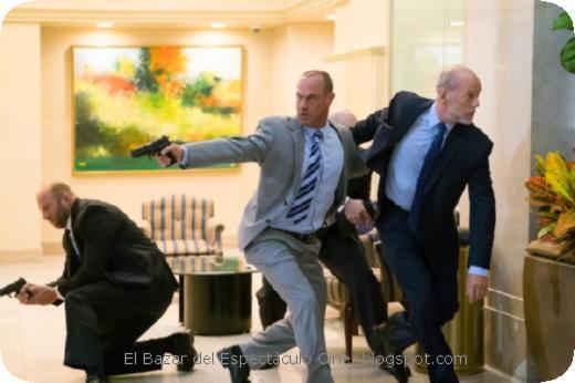 El Gran Golpe -Christopher Meloni y Bruce Willis.jpeg