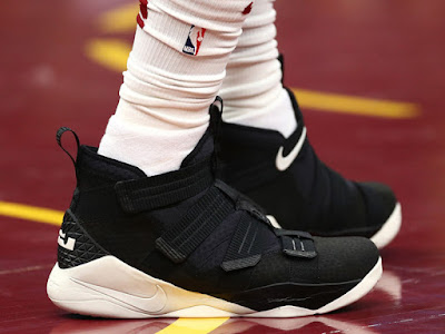 lowest price 78869 acd4f LeBron James in Nike Soldier 11