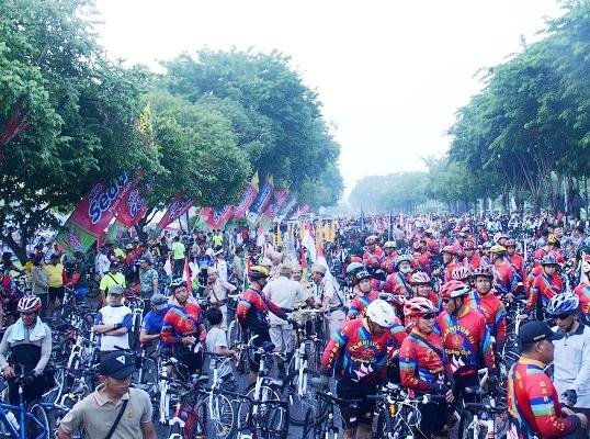Festival Brawijaya Fair 2015 Pamerkan Alusista Andalan TNI AD