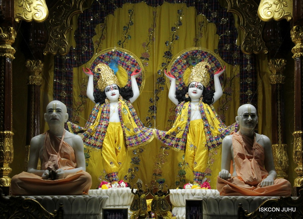 ISKCON Juhu Mangala Deity Darshan 09 April 2016 (29)