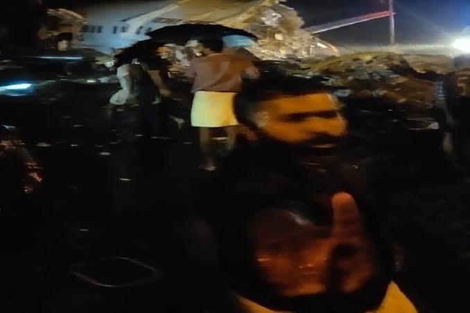 BIG BREAKING: दुबई से कोझिकोड जा रहे एयर इंडिया एक्सप्रेस का विमान दुर्घटनाग्रस्त, 170 लोग थे सवार