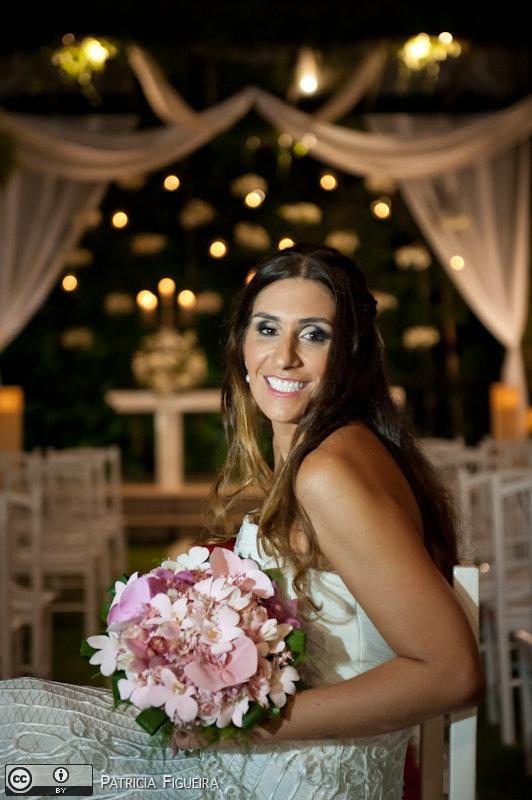 Foto de casamento 0569 de Beatriz e Leonardo. Marcações: 23/04/2011, Casamento Beatriz e Leonardo, Fotos de Maquiagem, Joao Velasquez, Maquiagem, Maquiagem de Noiva, Rio de Janeiro.