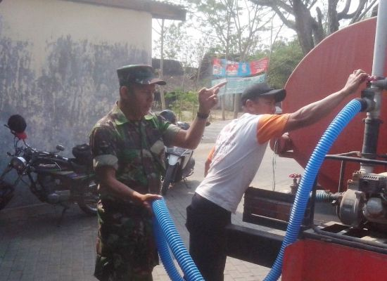 Kodim Ngawi: droping air bersih di tiga desa masuk kecamatan karanganyar Ngawi