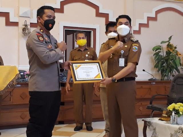 Ungkap Kasus Penipuan, 22 Polisi Kotabaru Terima Reward dari Pemkab