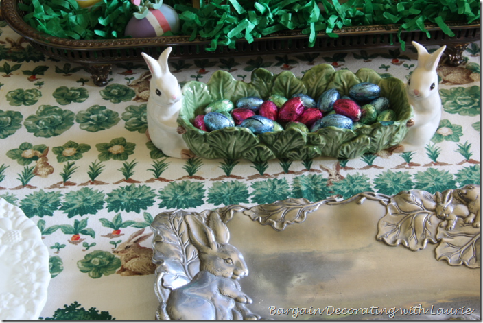 Easter cracker server for Chocolage Eggs