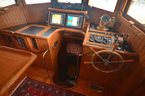 Pilothouse%2520lowR.JPG