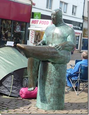 11 statue in loughborough