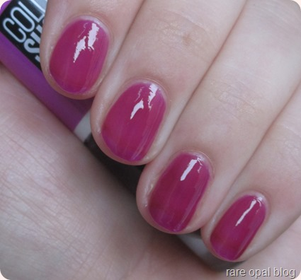 Maybelline Color Show Nail Polish Jelly Tints collection in Berry Merry