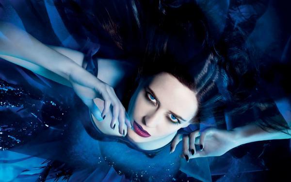 Vampire Blue, Vampire Girls 1