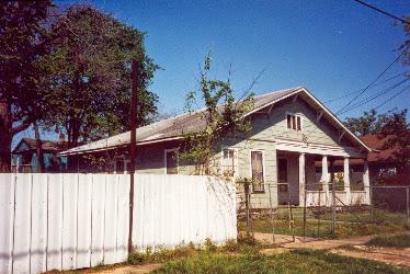 1807 Decatur aka 1811 State