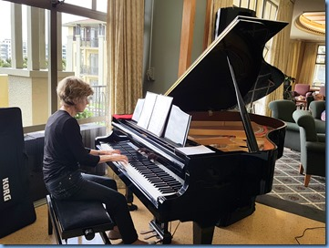 Semi-professional pianist, Denise Gunson, played for about 30 minutes during lunch and then gave a mini recital later in the afternoo.
