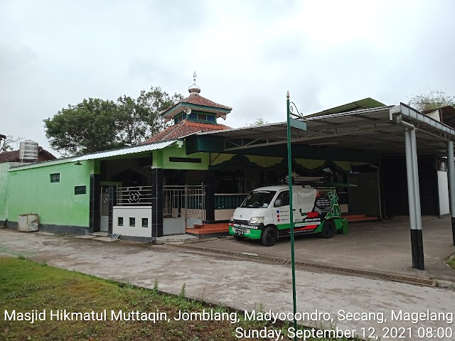 Bersih masjid Hikmatul Muttaqin, Jomblang, Madyocondro, Secang, Magelang