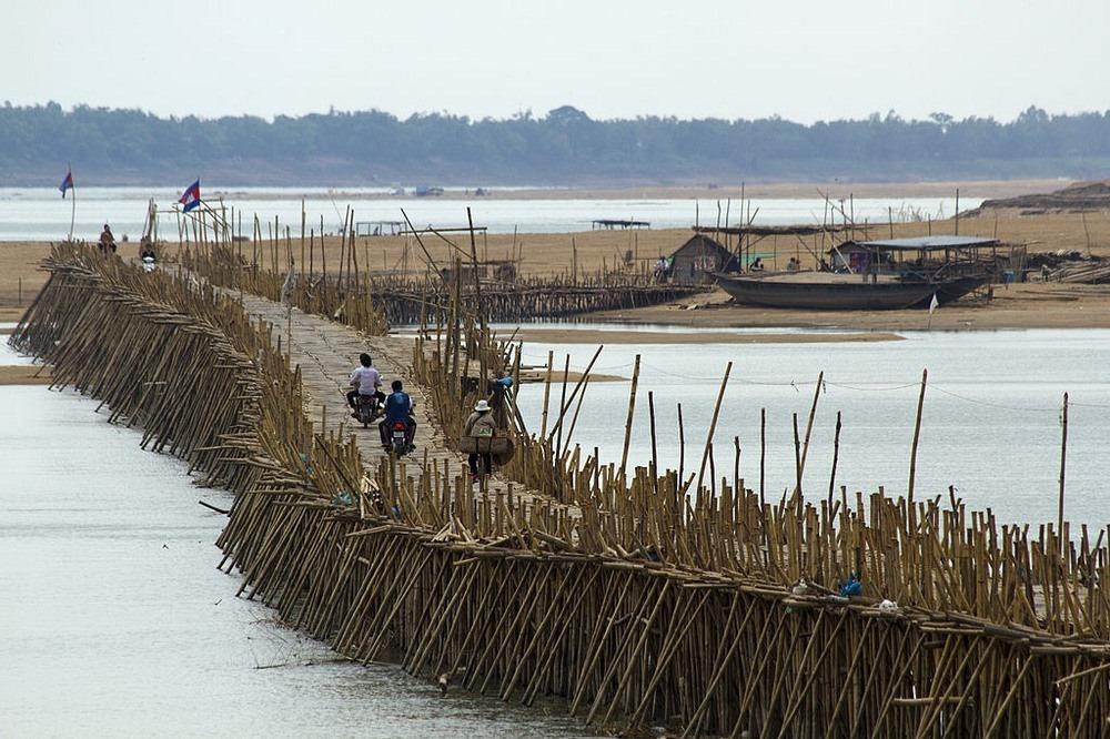 kampong-cham-bamboo-bridge-21