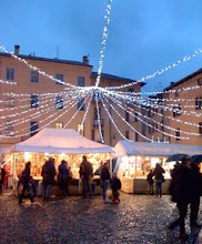 Photo: Christmas eve markets shopping in Como