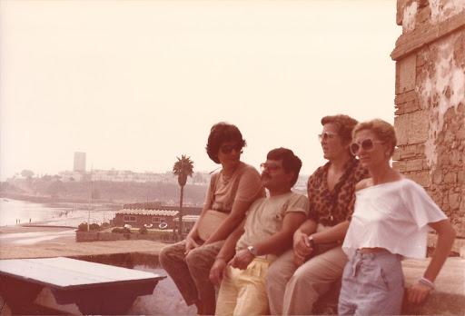 Victoria, Eva y yo con Gino, un atardecer en Rabat