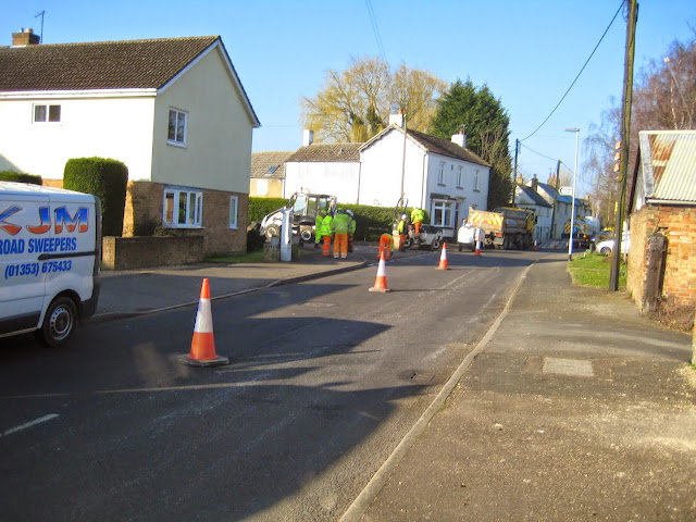 St Johns Close Resurfacing 23-03-2015. Pictures by Chris Cannon - IMG_1061.JPG