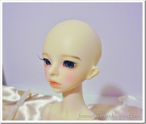 Unboxing a Clover Doll Echo, 1/4 ball jointed doll.