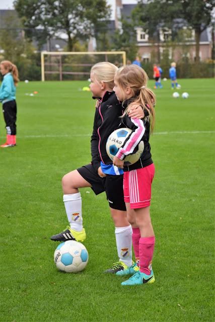Clinic en penaltybokaal 07-10-2016 - Voetbalclinic%2B7.JPG