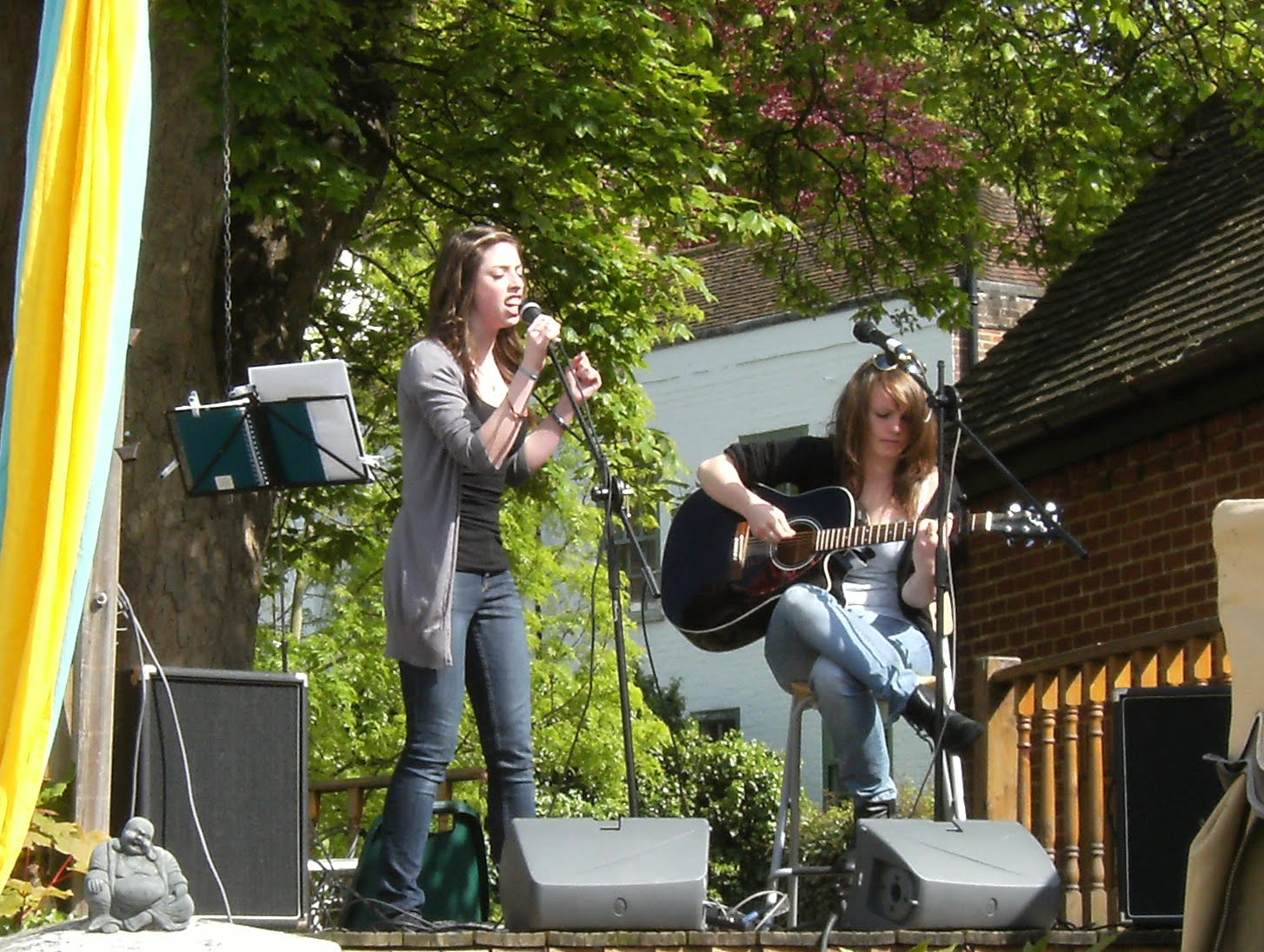 1005150013 Entertainment at The Drawingroom, Chesham