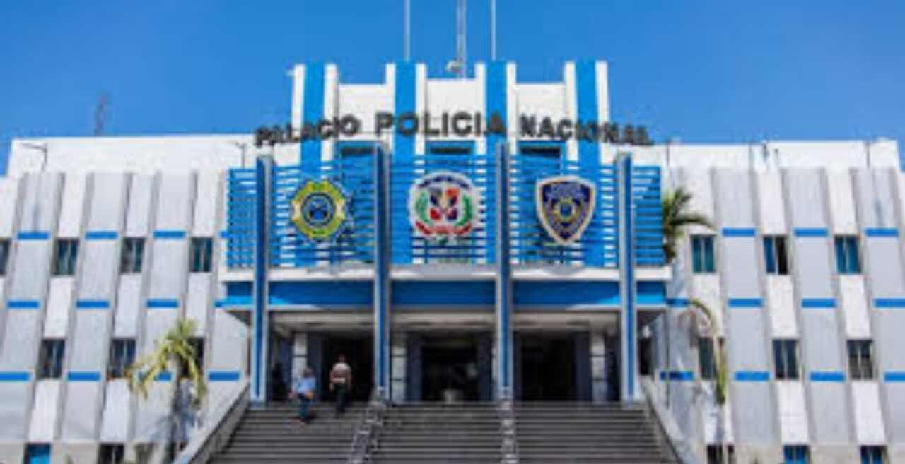 Policía Nacional apresa pareja de esposos captada en cámara atracando en Santo Domingo Este