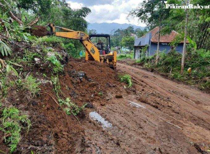 Hujan Picu Longsor, 1 Warga Tasikmalaya Dilaporkan Meninggal