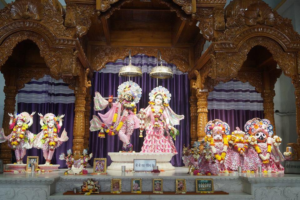 ISKCON Noida Deity Darshan 28 Mar 2016  (8)