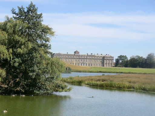 CIMG3996 Petworth House from Upper Pond