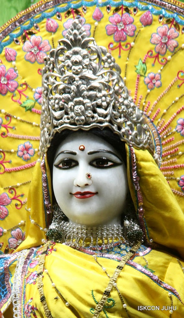 ISKCON Juhu Mangal Deity Darshan on 2nd July 2016 (24)