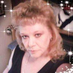 user April Davis apkdeer profile image