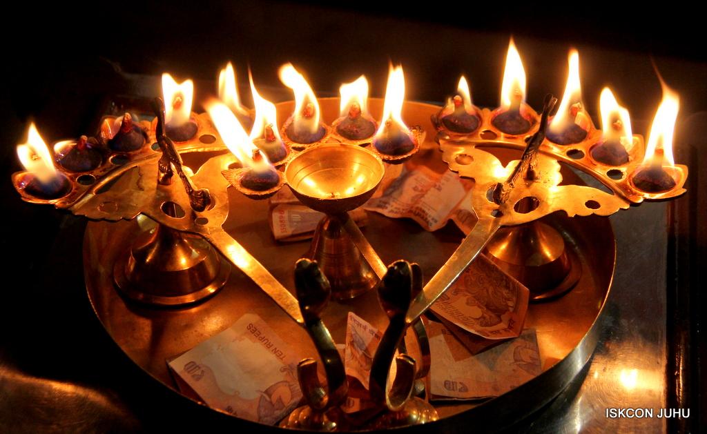 ISKCON Juhu Mangal Deity Darshan on 19th Oct 2016 (15)