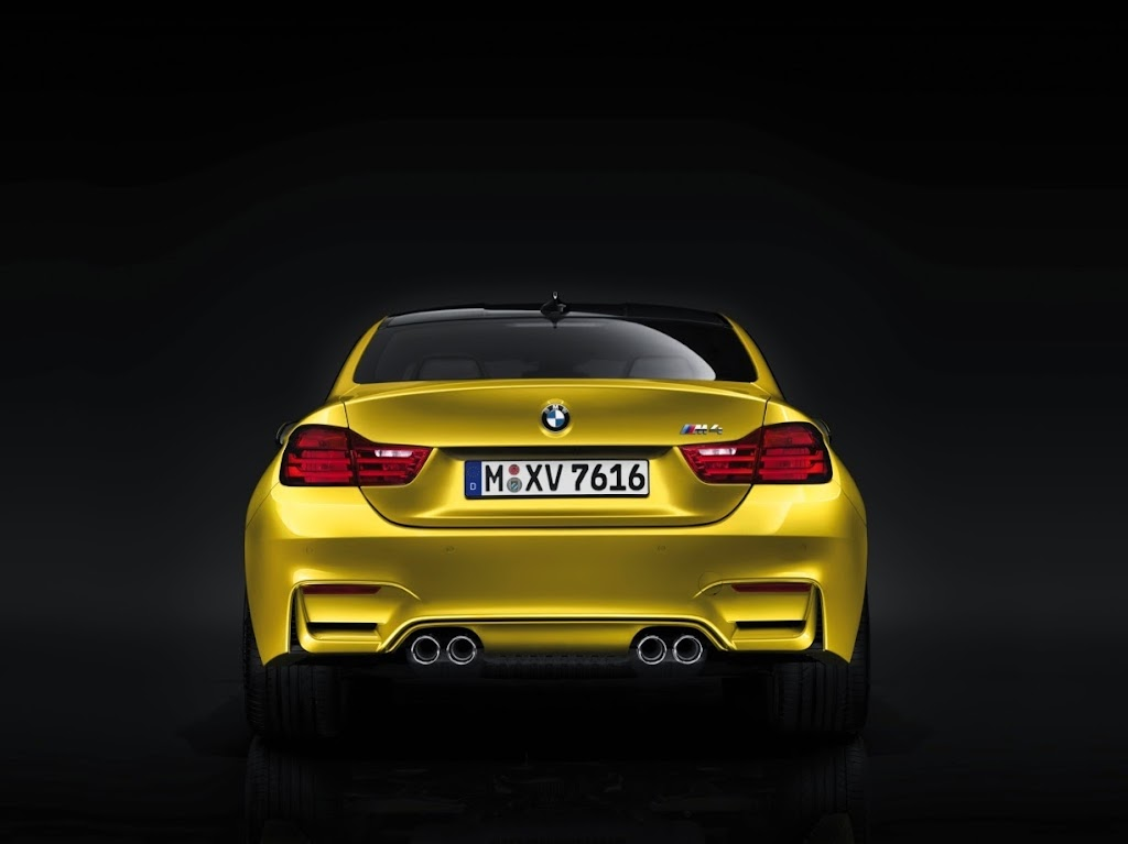 2015 BMW M4 Coupe 36