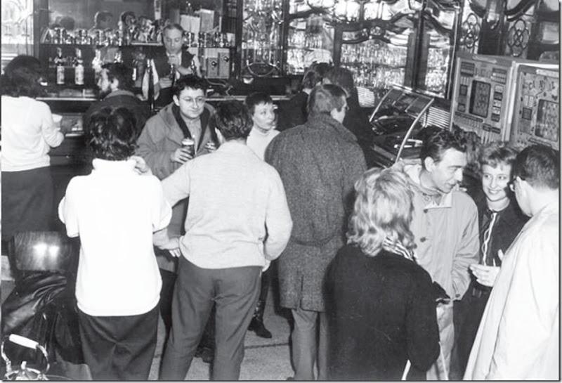 debord al bar